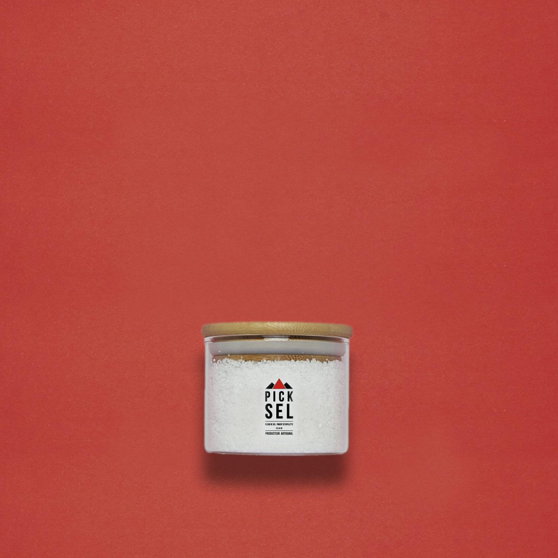 picksel-producteurartisanal-iledere-lacouarde-pot-verre-140g-fleurdesel-aromatise-pimentdespelette-cuisine-viande-fromage-force-finesse.jpg