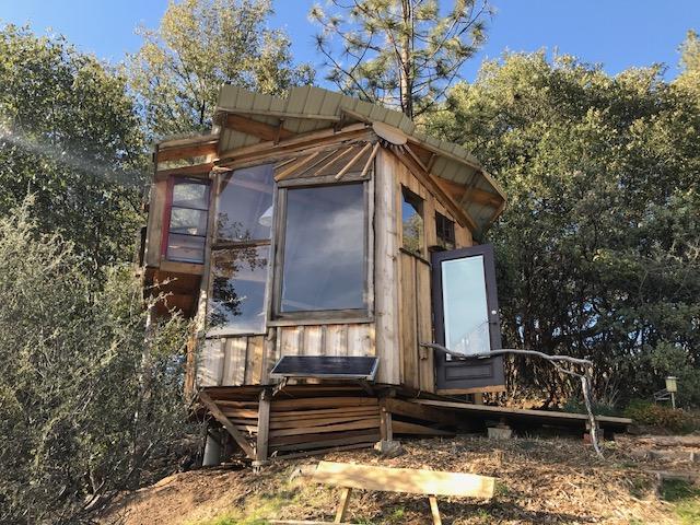 cabin_close.jpg