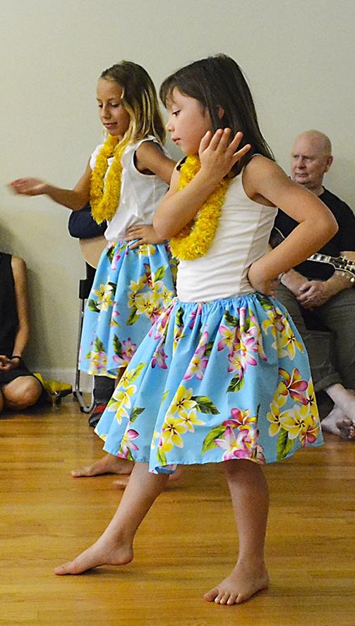 Hula dancers, ZLMC.jpg