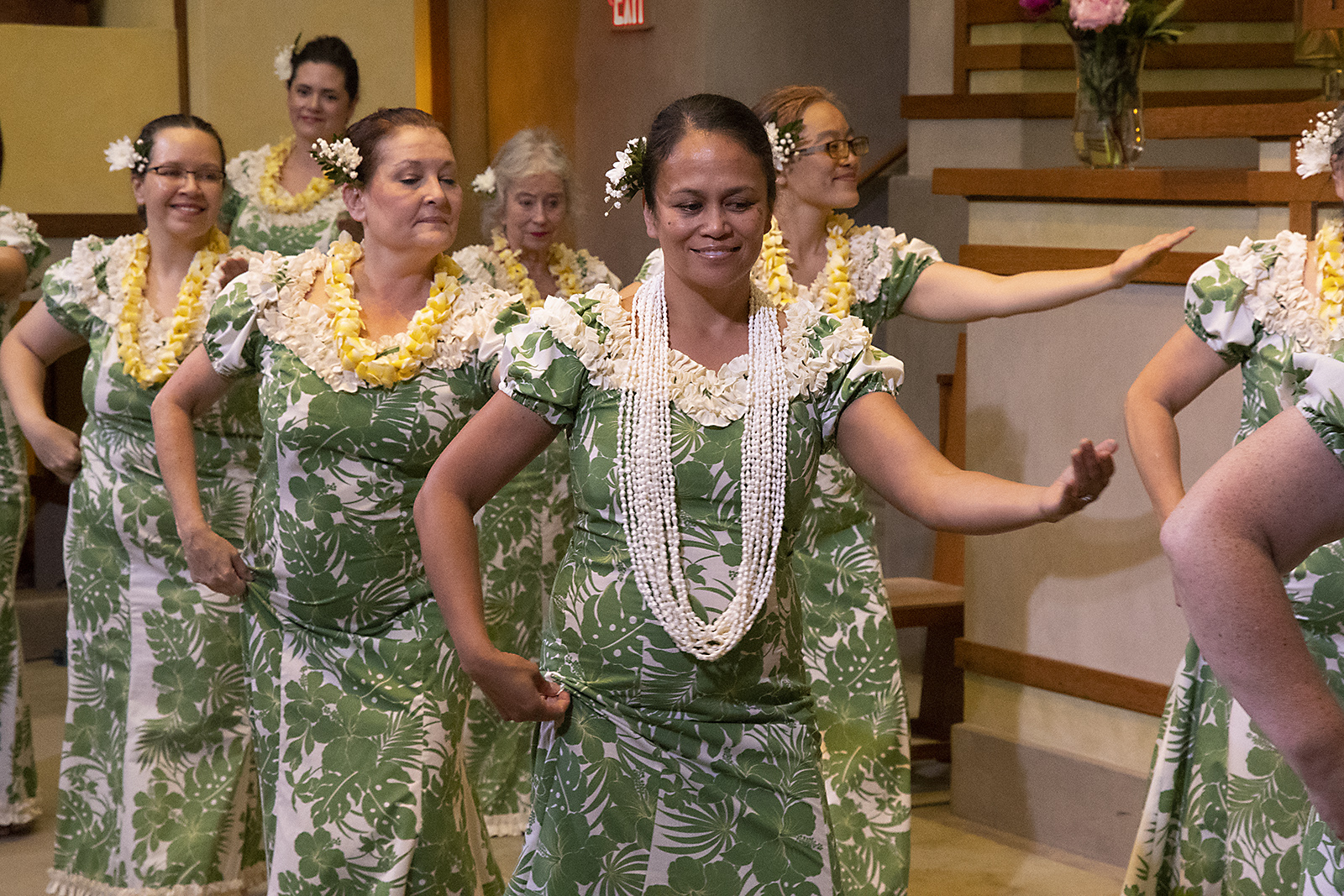 Photo of Halau i Ka Pono dancers courtesy of Tom Neiman.