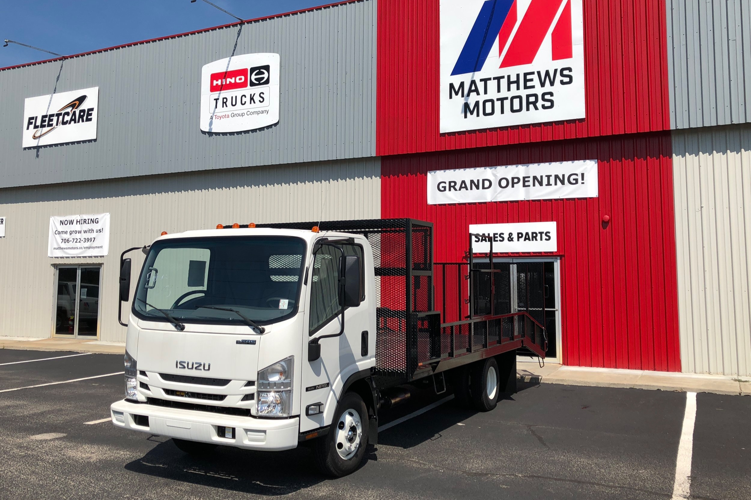 2019 Isuzu NPR Gas with Open Landscape Body - Stock No: N/A (Order Only)Class: Class 4 (GVW 14001 - 16000)Cab Type: STANDARD CABEngine Make: IsuzuEngine Size: 6LFuel Type: GasolineVIN: N/A (Order Only)