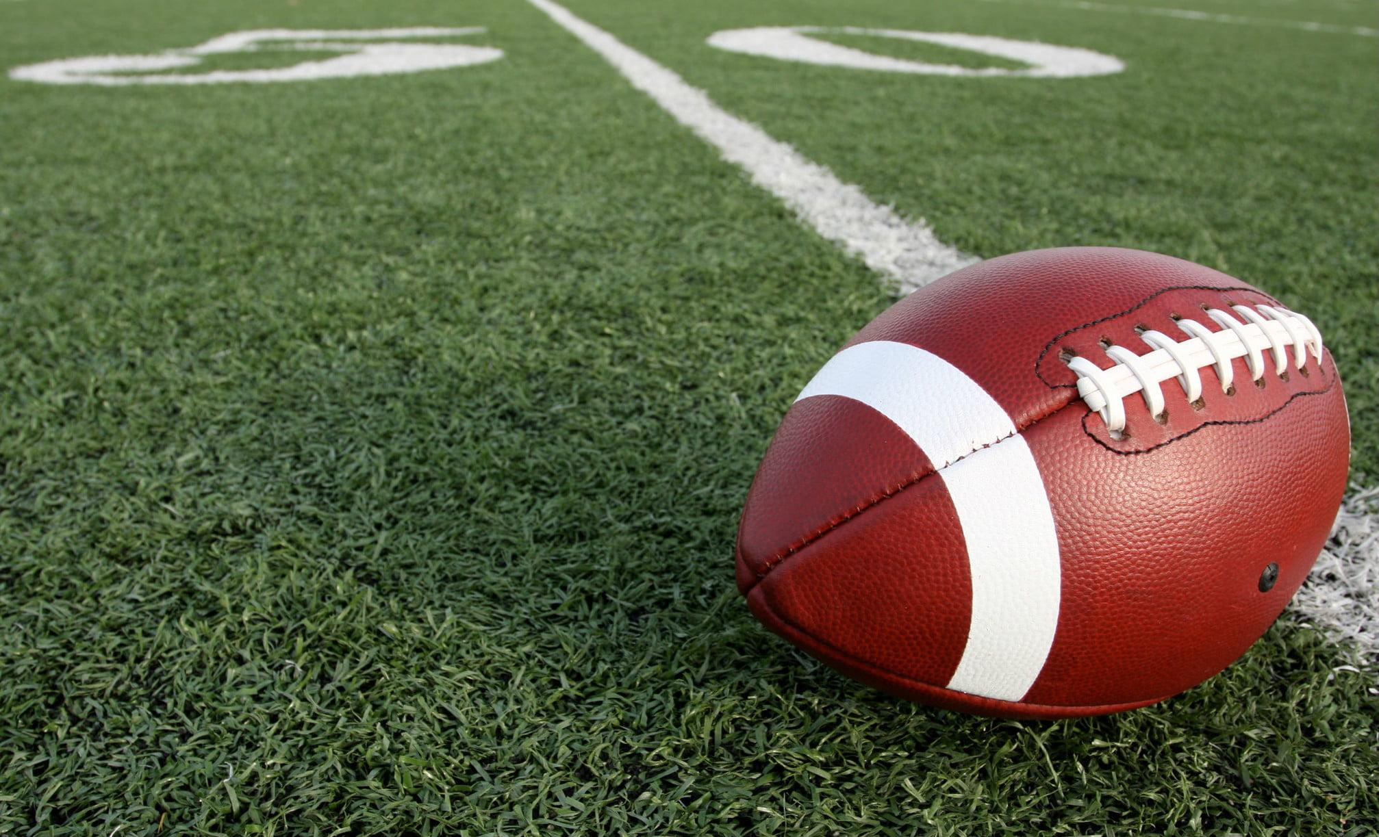 football-50-yard-line-dreamstime_m_15024968-2-2175x1223.jpg