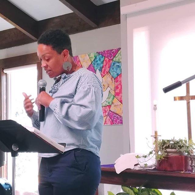Pastor Kathy Kinzer-Downs at Community Covenant Church Springfield VA . . . . #fourmore #fourmorewomeninthepulpit #covchurch #womenpreachers #makeroom