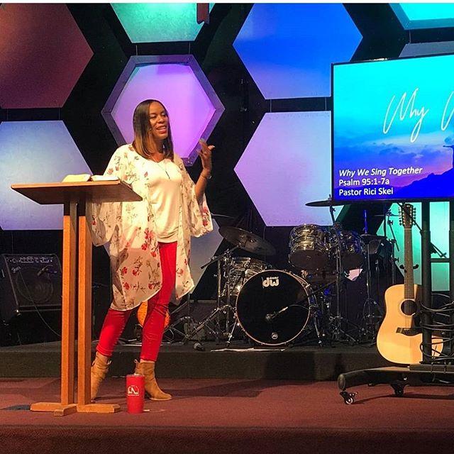 Pastor Rici Skei at University Covenant Church Davis CA . . . . #fourmore #fourmorewomeninthepulpit #covchurch #womenpreachers