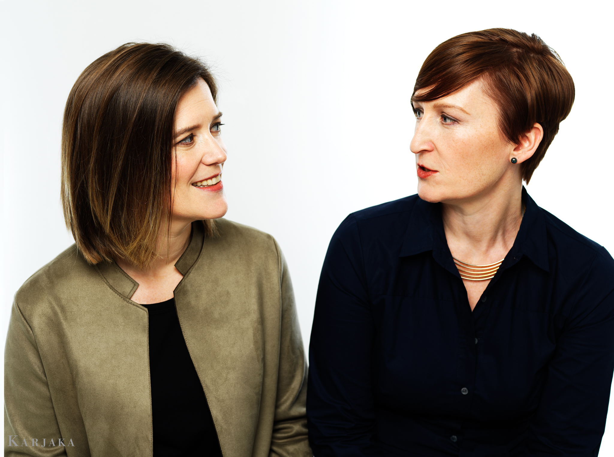 Co-founders: pianist Erika Switzer and soprano Martha Guth in song-versation.
