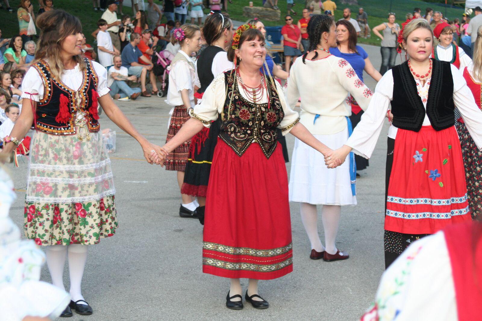 Ethnic Dancers Inside Circle.jpeg