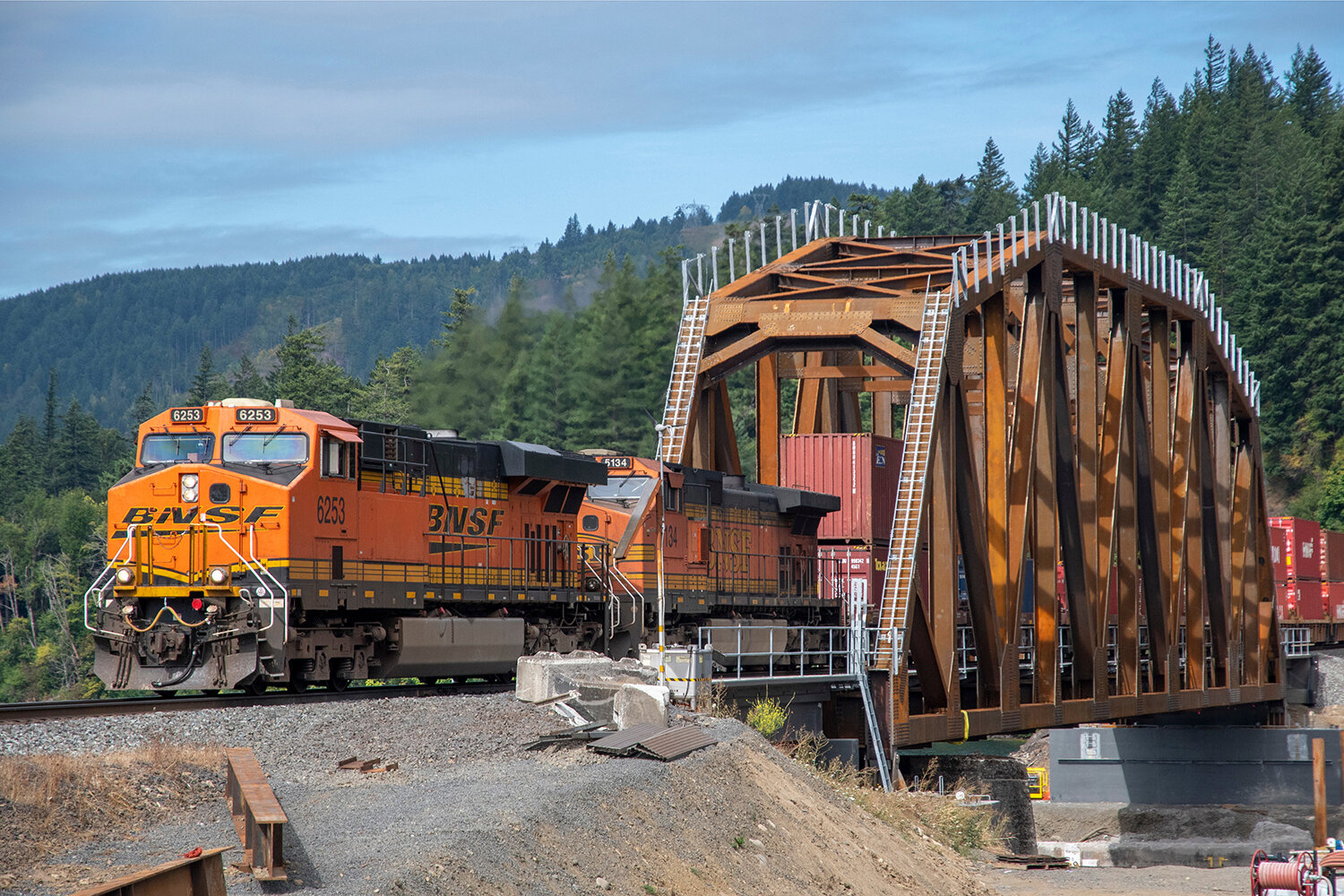 BNSF_4249_Wind River Bridge_02_1000x1500.jpg