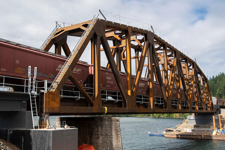 BNSF_4249_Wind River Bridge_04_1000x1500.jpg