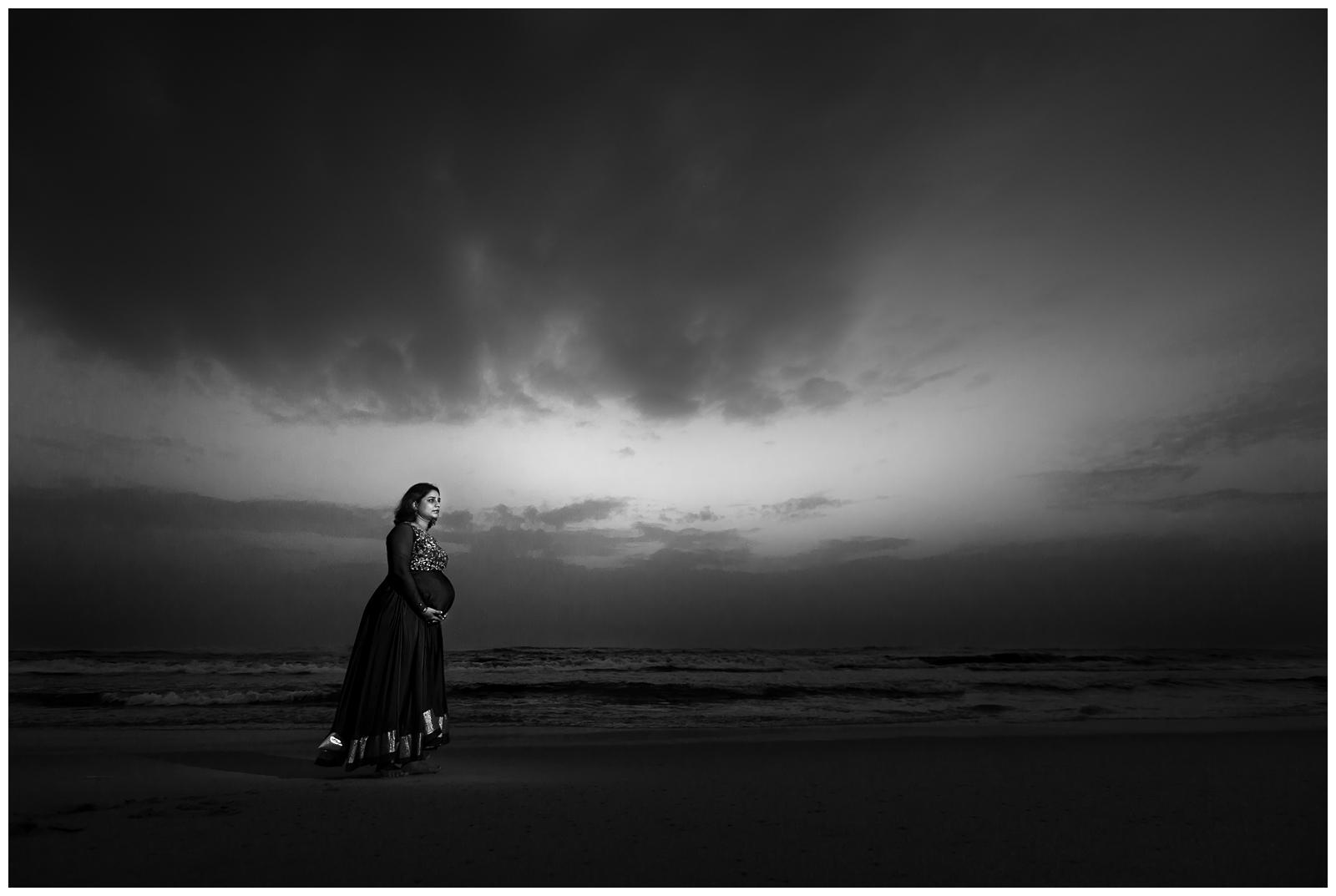 09122017-Smrithi-Second-Maternity-Shoot-027-2.JPG