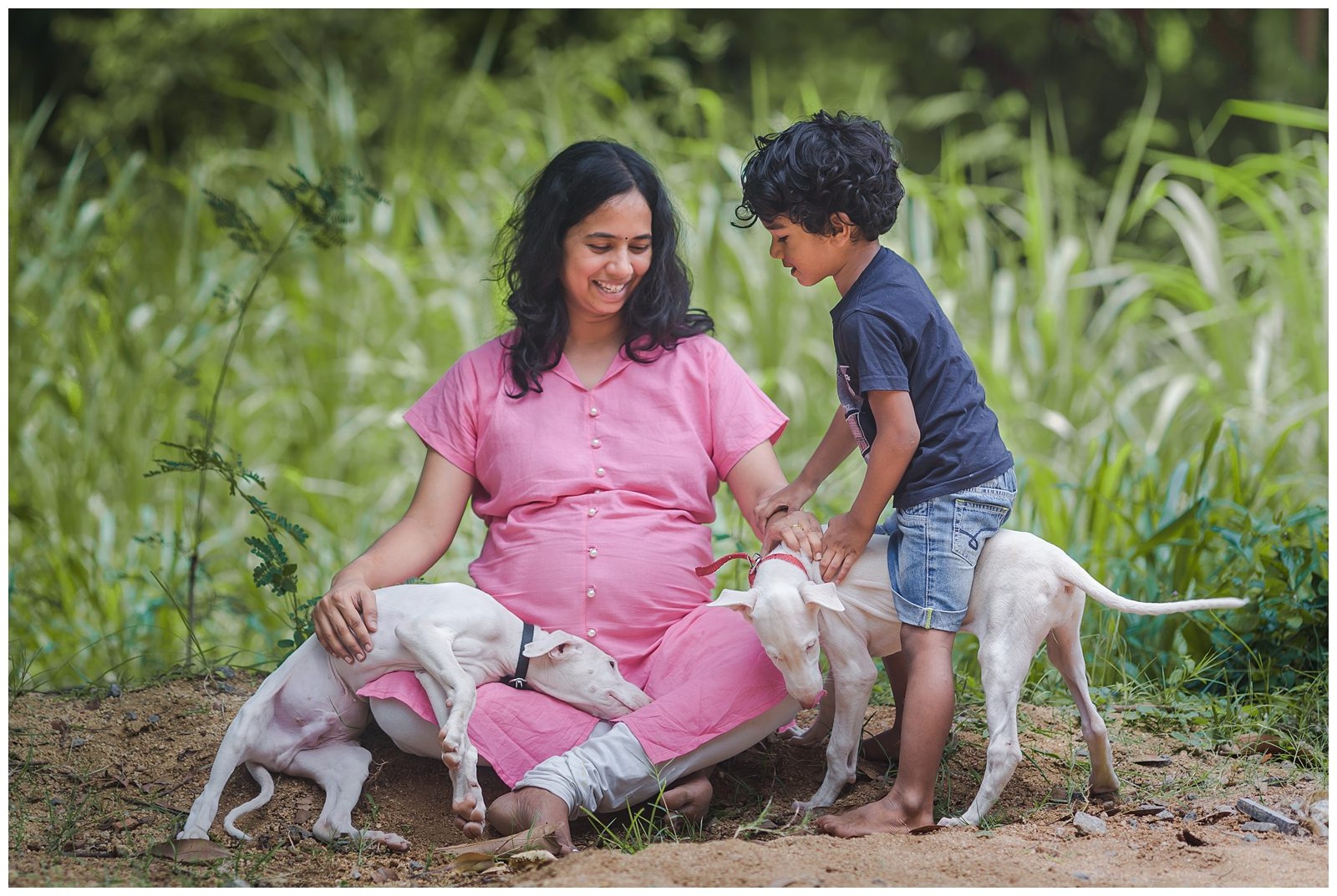 24072016-Bharathi-Second-Maternity-withdogs-041.jpg