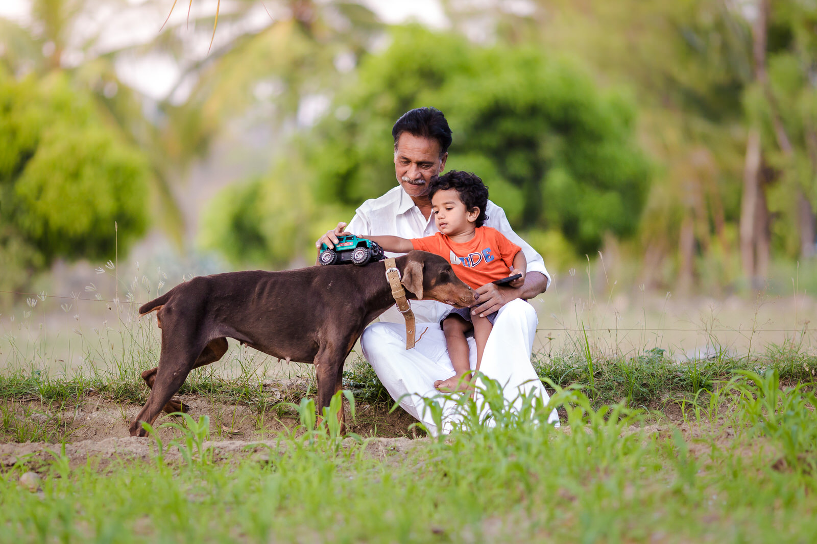 20150328-Sahas-With-Dog-in-fileds-138-Edit.jpg