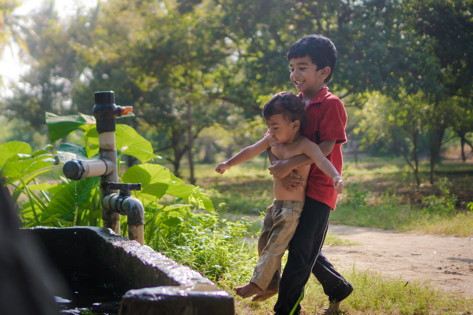 23122017-Boys-Playing-Water-Tank-327.jpg