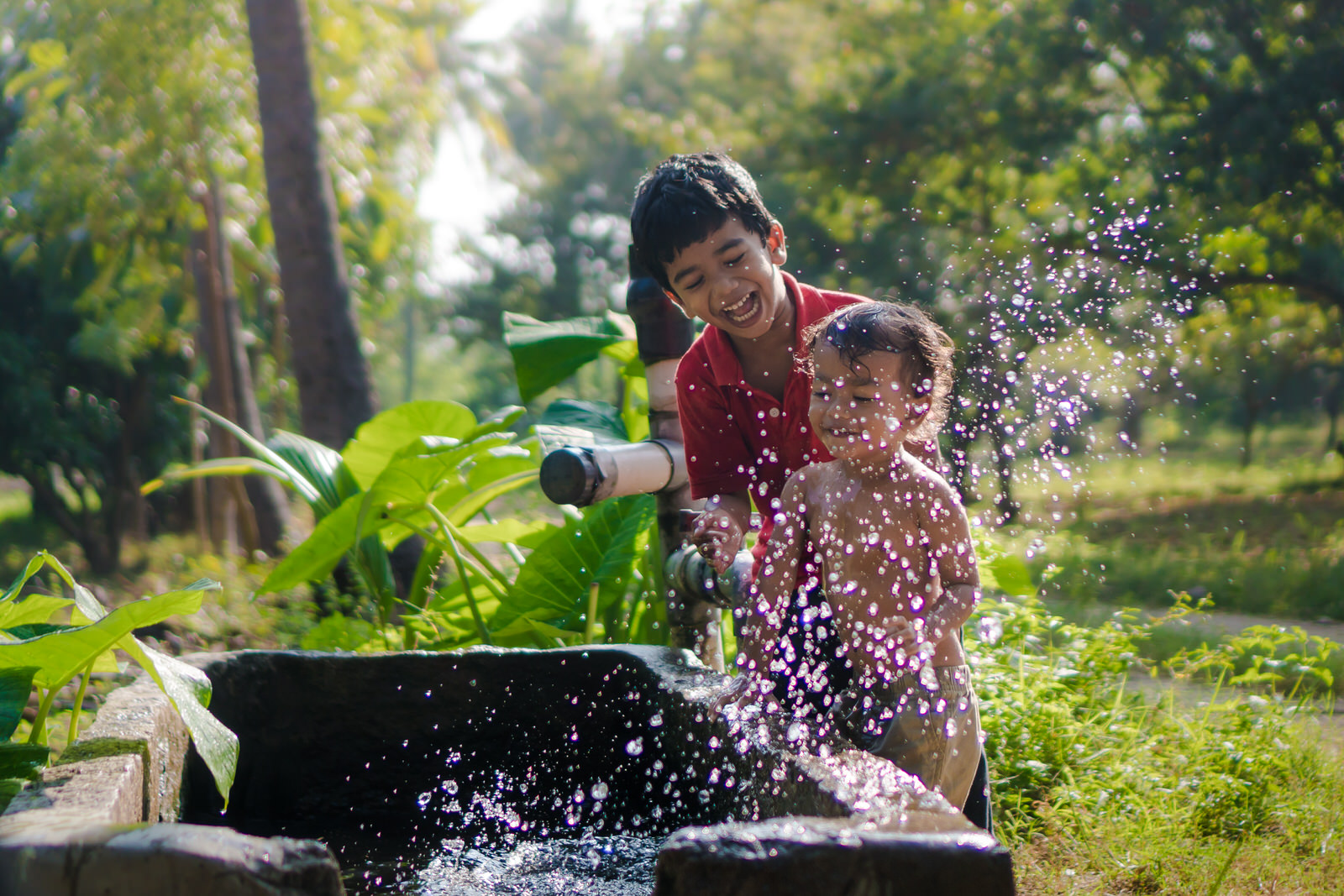 23122017-Boys-Playing-Water-Tank-341.jpg