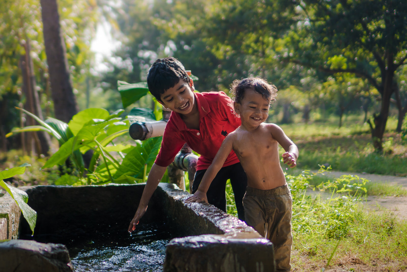 23122017-Boys-Playing-Water-Tank-345.jpg