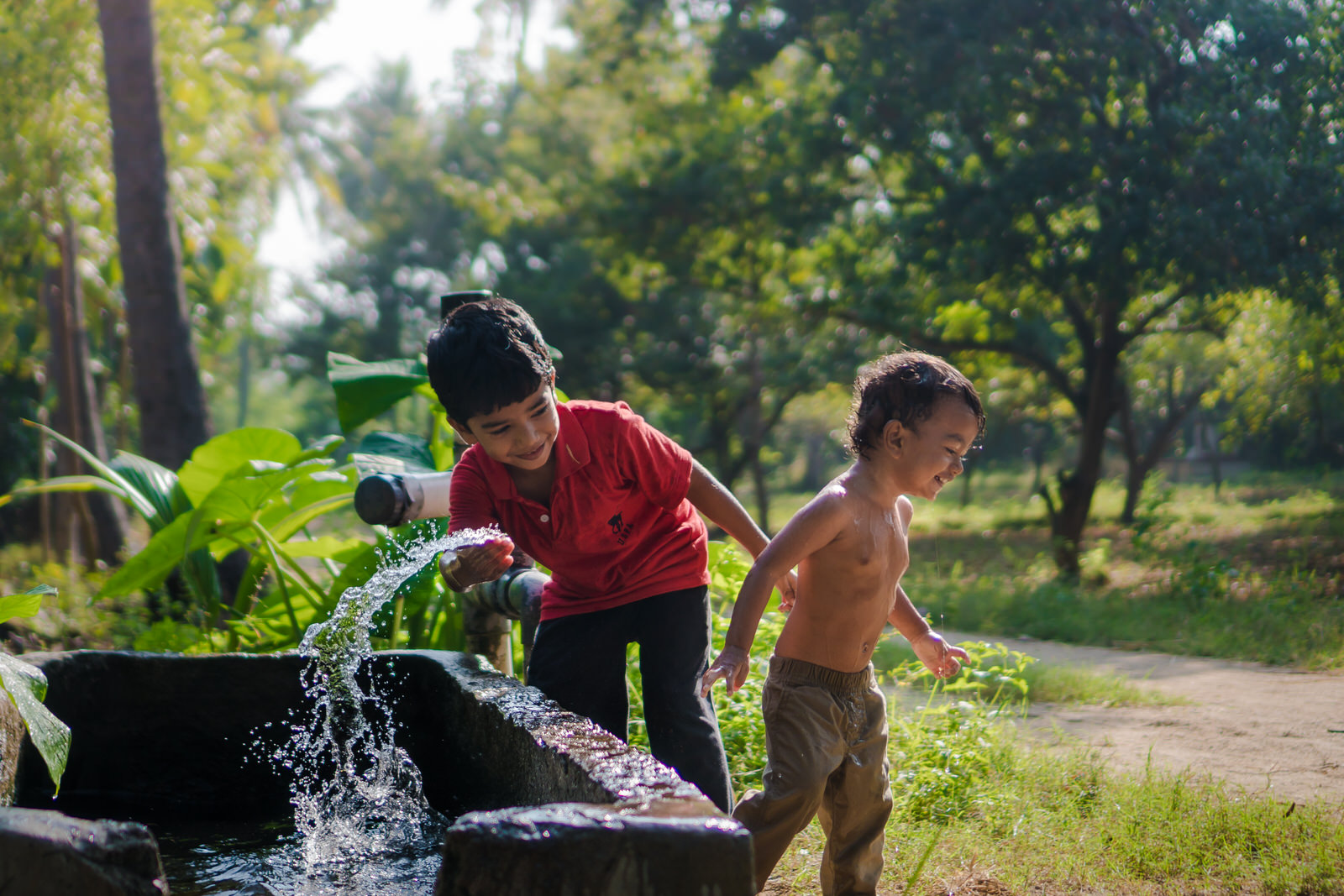 23122017-Boys-Playing-Water-Tank-348.jpg