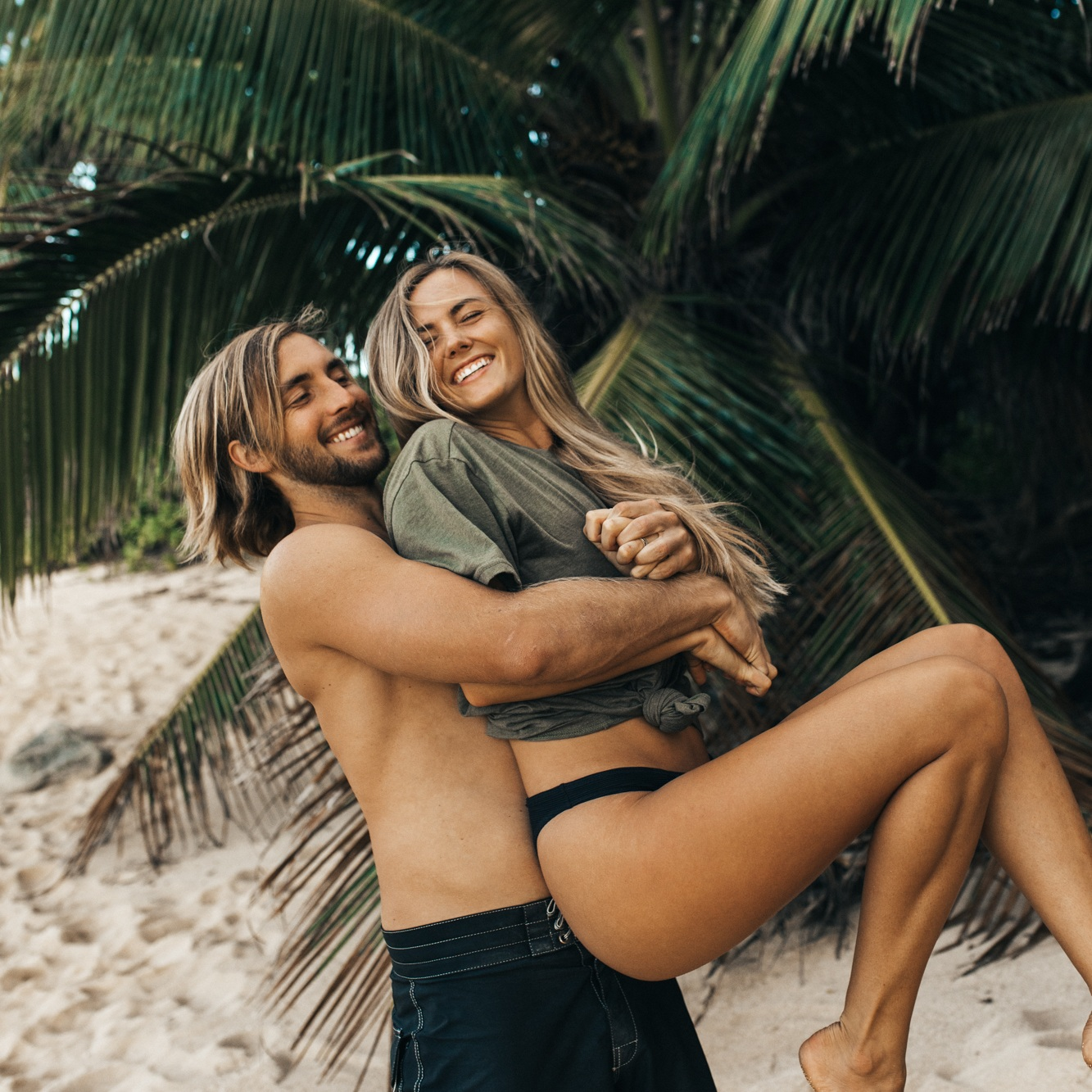 Aloha, I'm Heather! - I'm a professional beach bum living in Hawai'i with my cute husband Bryant. Together we surf, eat tacos, pet all the beach dogs, and create. We believe in following our dreams and helping other Instapreneurs do the same. Welcome to our world!Learn More
