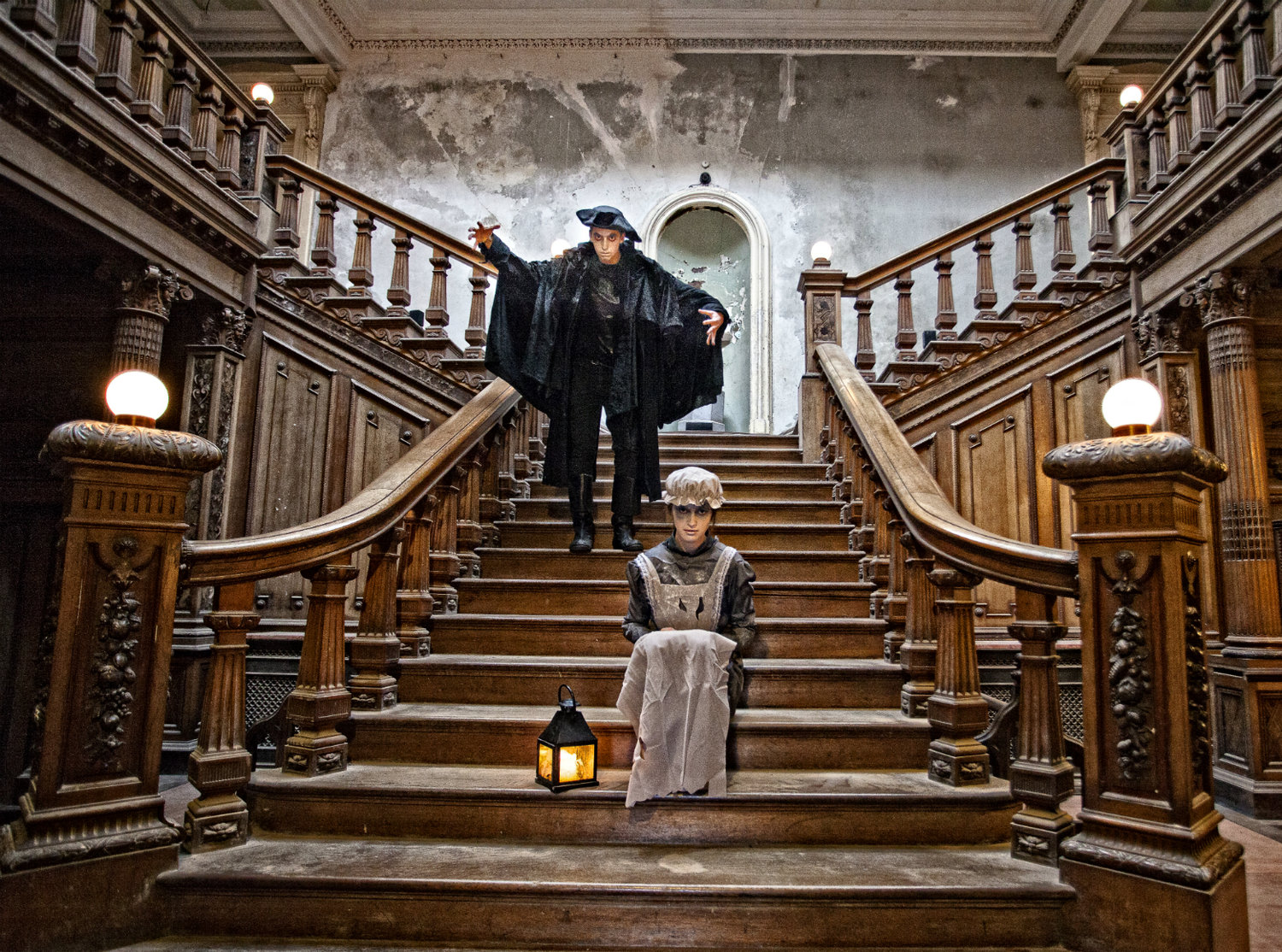 Halloween G-Host Dark Stranger Stairs Credit Gerry Browne a.jpg