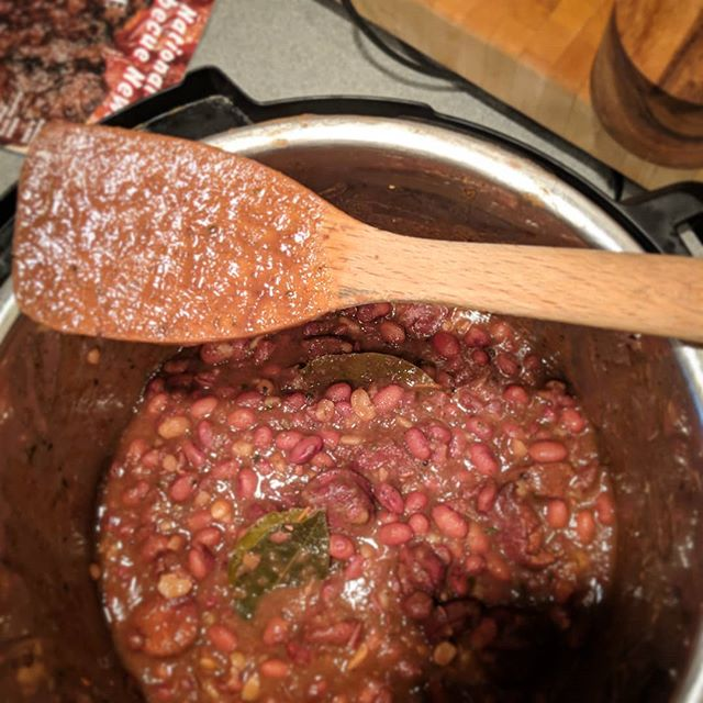 Had a hankerin' fer some red beans and rice. Also realizing my need to get back to NOLA is fierce. All good things. . . . . #redbeansandrice #nola #nawlins #cajunfood #creole #bbqseasonisonhold #sundayfunday