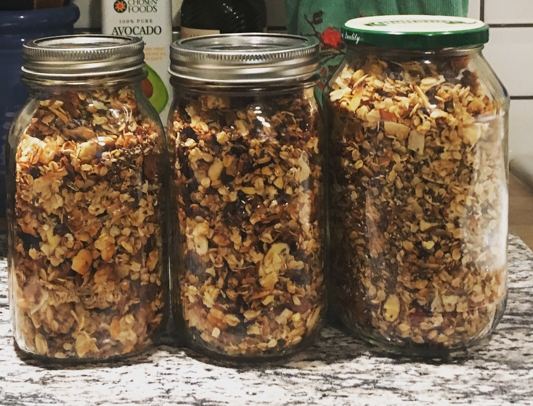 Granola in jars.JPG