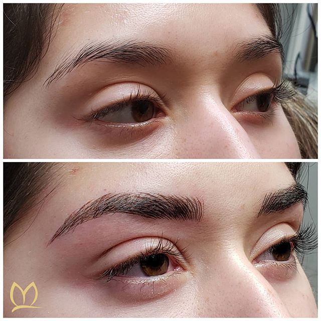Some lucky clients come to you with natural brows that would make your other clients jealous! 🤣 This beauty wanted to add density to define her shape. We decided to do microblading only so that they looked fuller but not too heavy.  What do you think? 👉swipe to see another view _____________________________________ #microblading #microbladingpnw #microbladingportland #microbladingvancouver #pmu #smpu #eyebrows