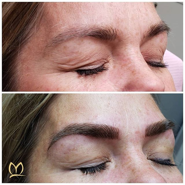 Here's a naturally strong set of brows! 💪This lovely already had previously microbladed brows but wasn't happy with them.  We did microblading and machine shading to shape through the tail and add some color for balance. Swipe to see more 👉