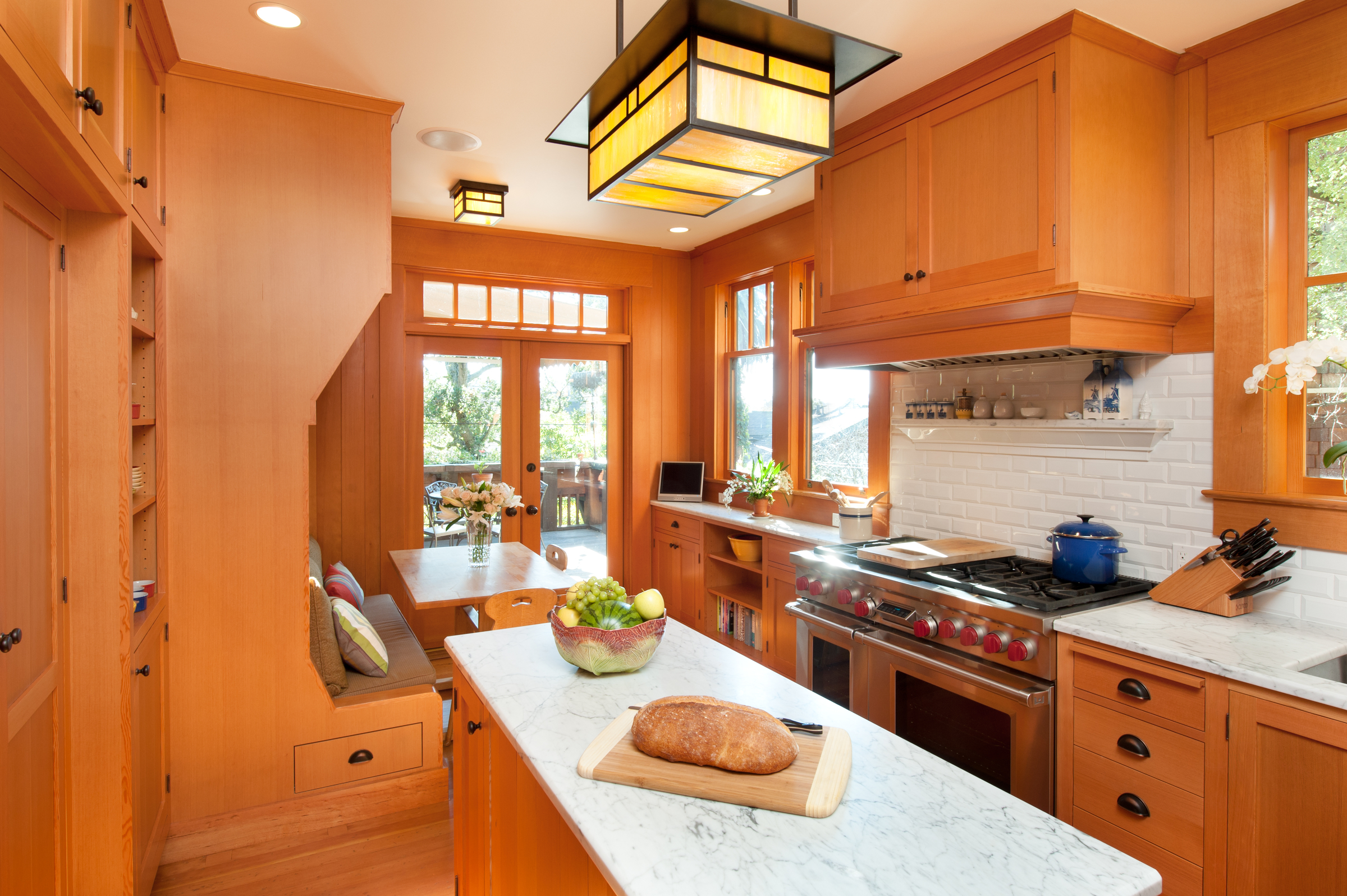Kitchen_IslandView_horizontal.jpg