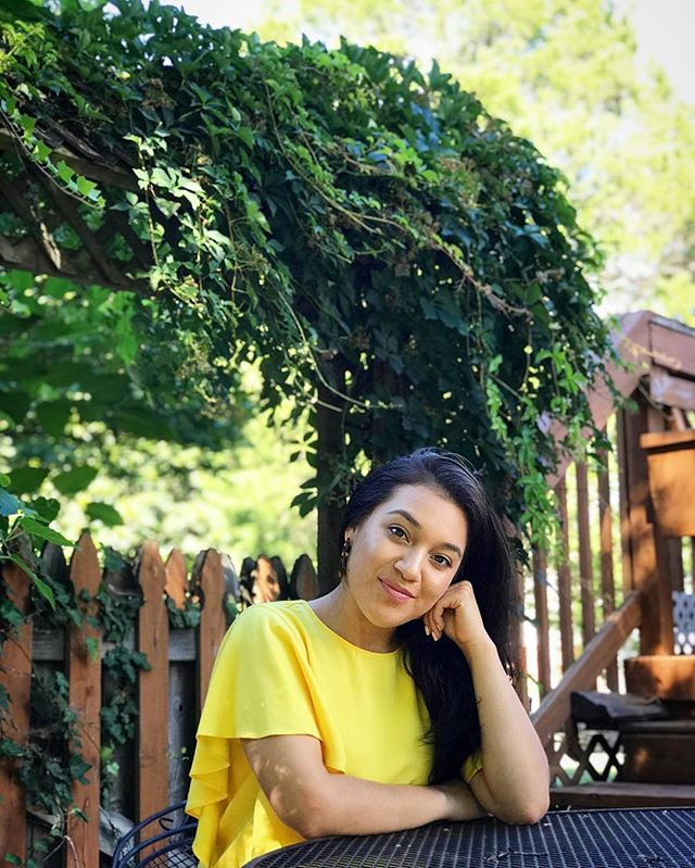 Feeling super blessed and bright today!  Happy Sunday • • • • • • #blogger #lifestyle #lifestyleblogger #fashionblogger #fashion #zara #freepeople #yellow #summer #wwit #ootd #sunday #blessed