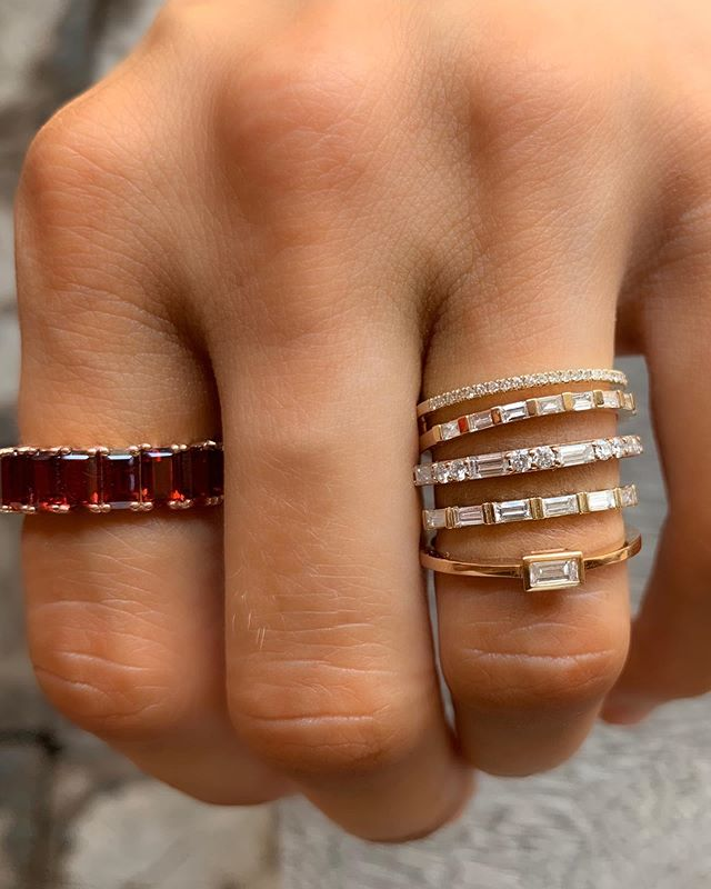 DOUBLE TAP if you dig Baguettes! Why should rounds have all the fun?! Introducing a few of our favorite new designs using the ever-elegant baby step cut diamond shape! 😘👌 Tag BAE