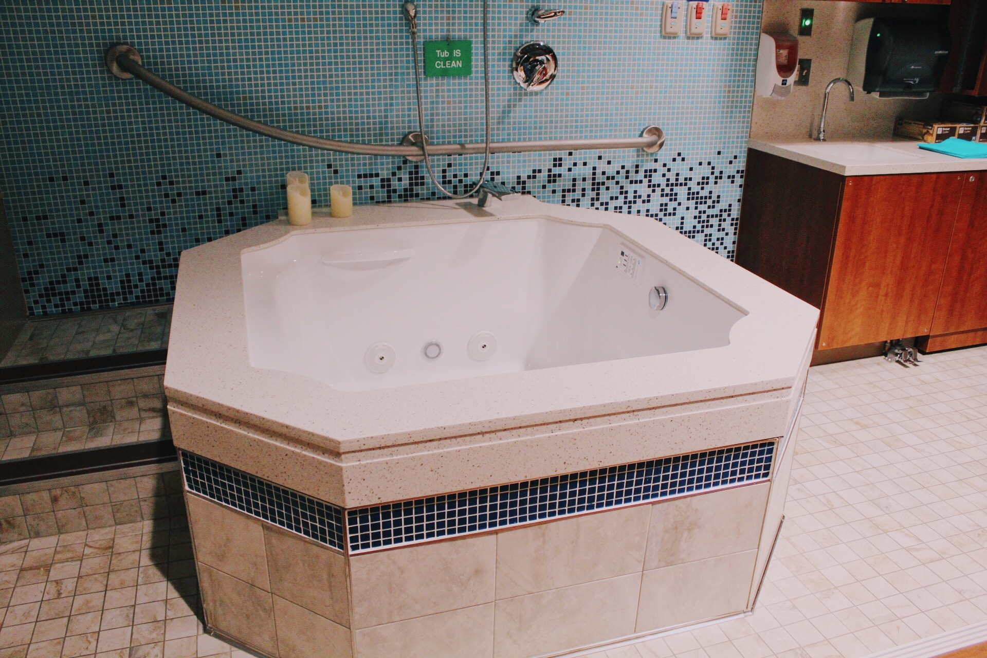 The Birthing Tub