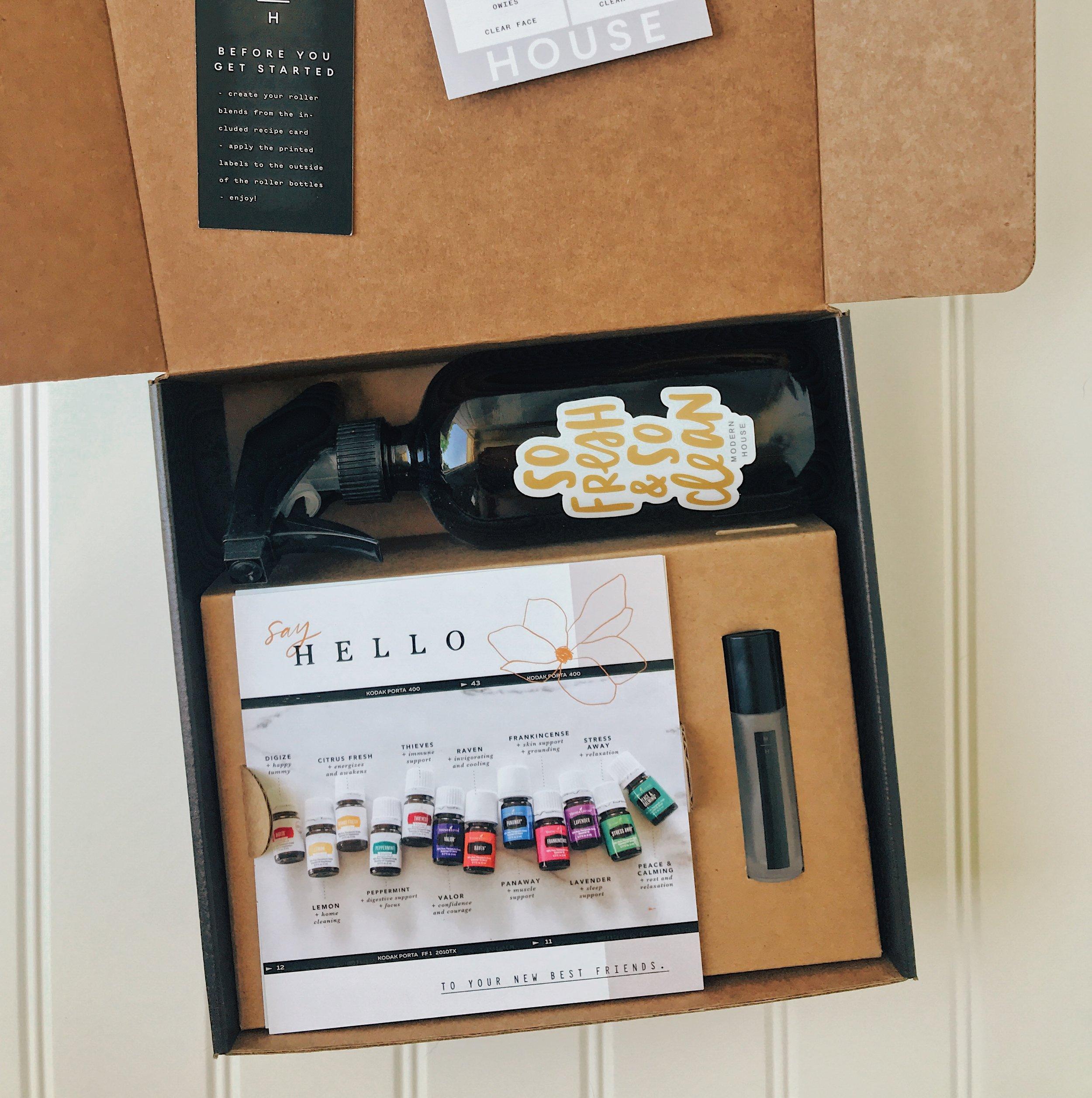 Modern HOUSE MEMBER BOXES - - 16oz Amber Glass Bottle + Fresh & Clean Sticker- 15ml Modern House Frosted Glass Roller Bottle- 20 Roller Labels- Diffuser Blends Card- Roller Recipes Card- Premium Starter Kit Card- Thieves Household Cleaner Recipe Card