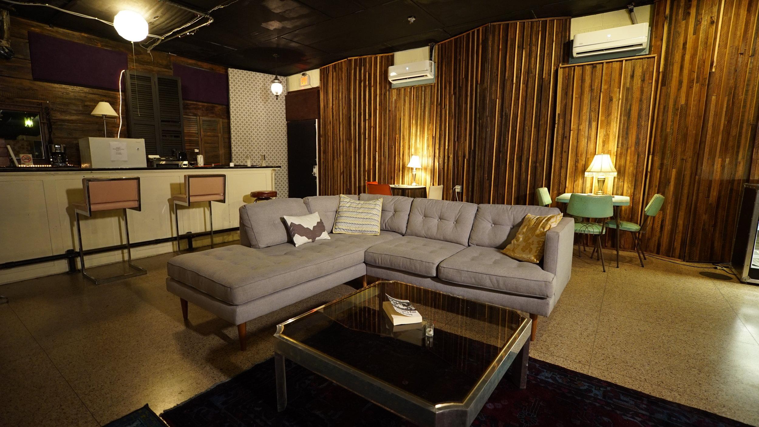 Live Room / Lounge