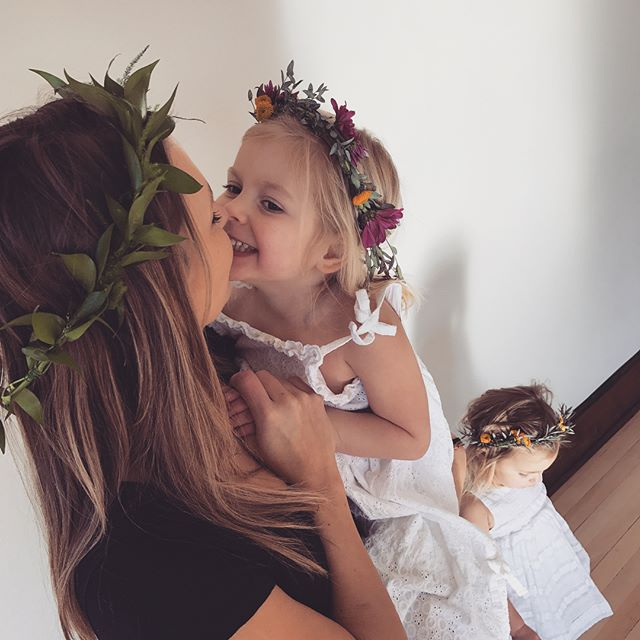 Last minute photo shoot with these little ladies! We had leftover flowers and greens and thought it might be fun to make a few flower crowns and play dress up 😁 What little girl doesn't want to twirl around in a pretty dress with flowers in her hair?! Oh and of course we had to pay our little models with donuts afterwards 🍩💐🌿
