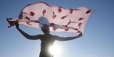 rosette-shawl-pink-sun-hor.jpg