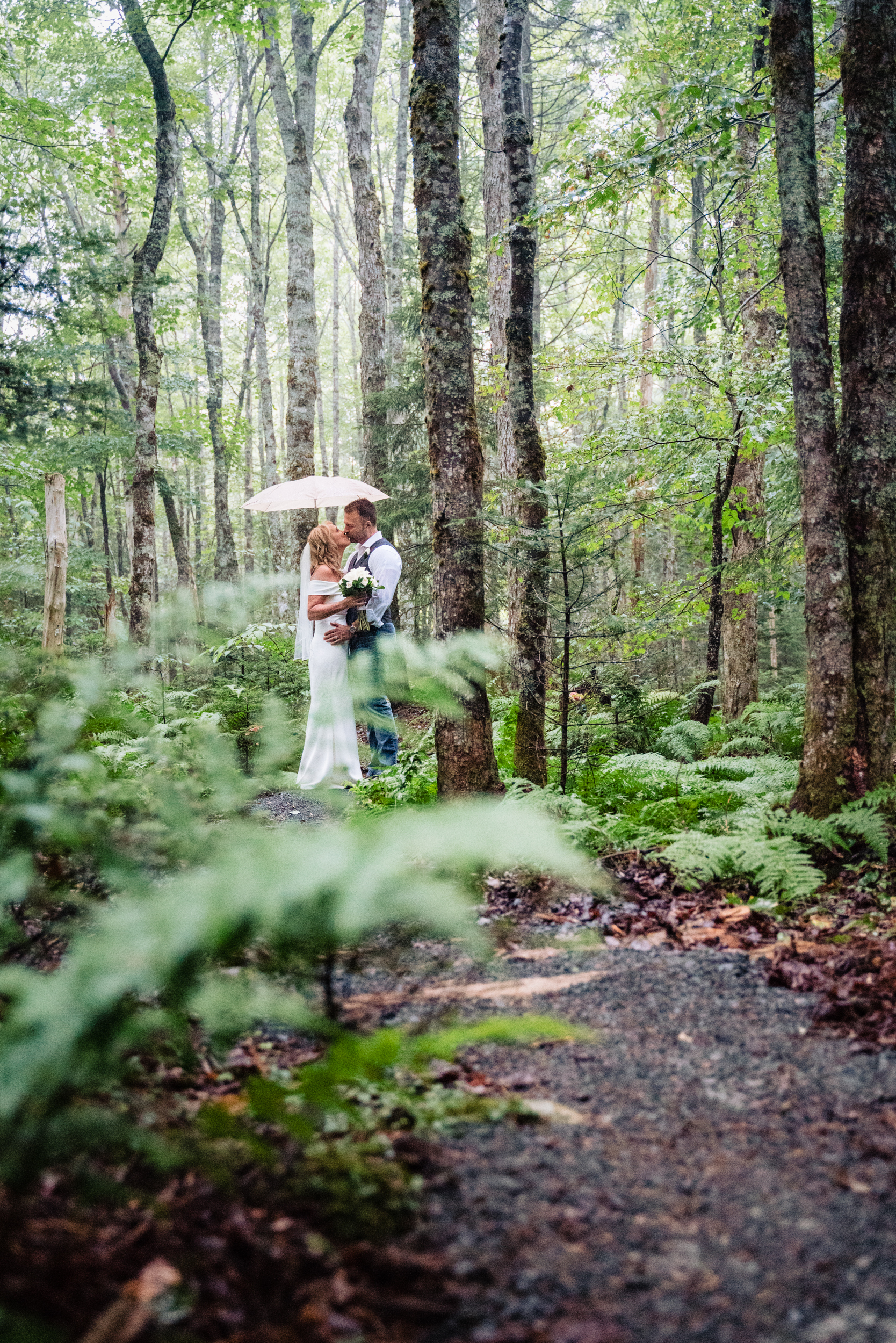 Halifax-wedding-photography-foxandfellow-nova-scotia-backyard-summer-canada-41.jpg