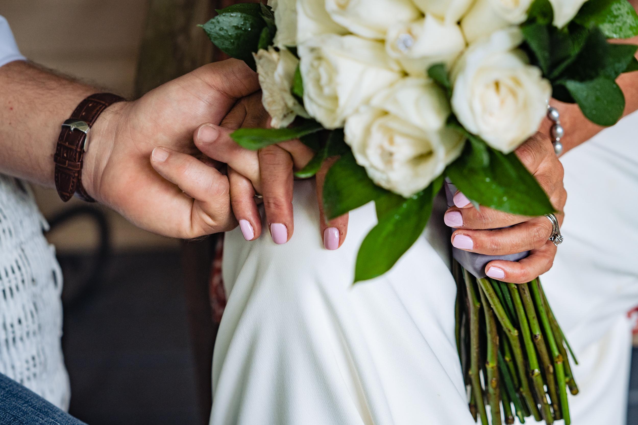 Halifax-wedding-photography-foxandfellow-nova-scotia-backyard-summer-canada-48.jpg