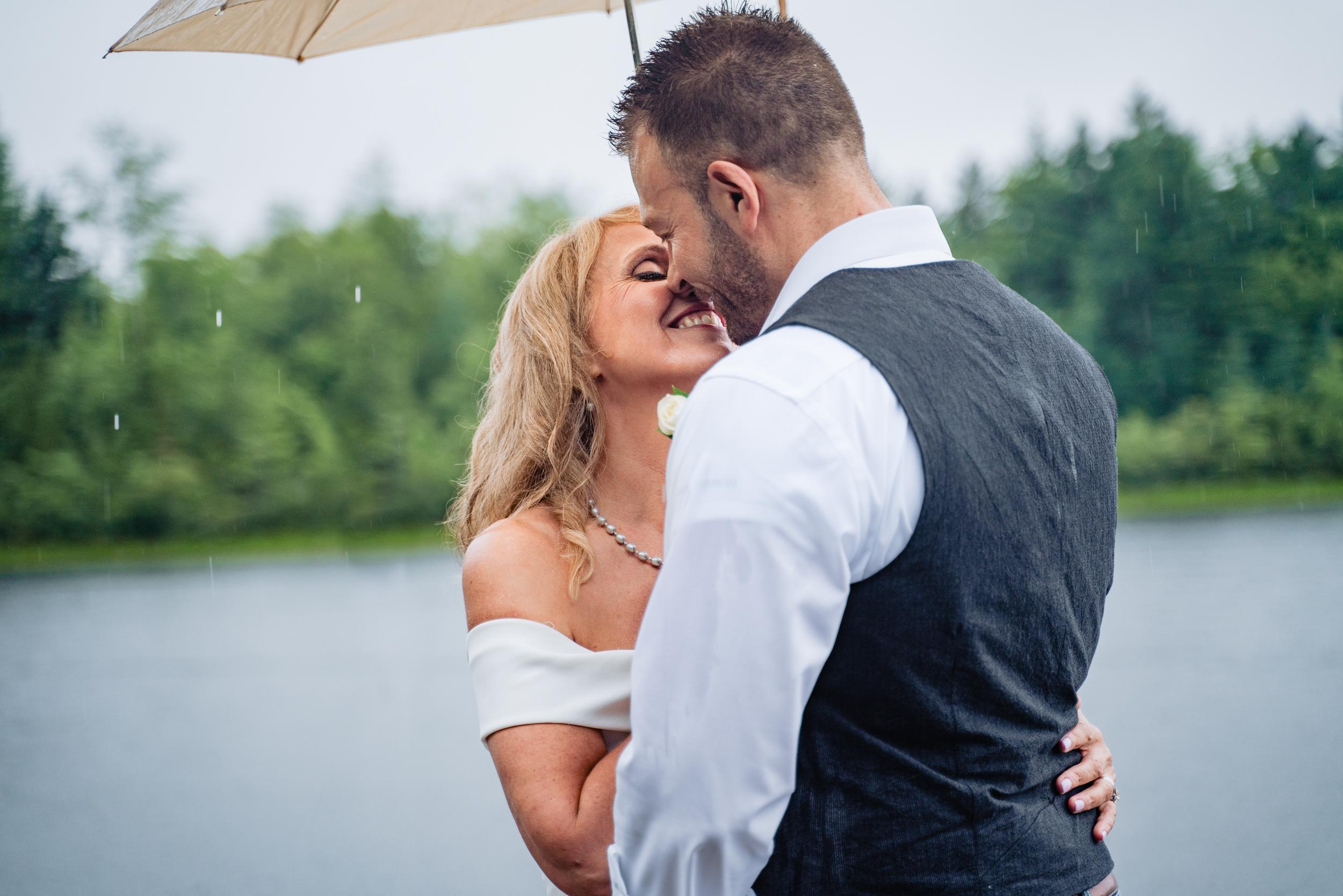 Halifax-wedding-photography-foxandfellow-nova-scotia-backyard-summer-canada-59.jpg