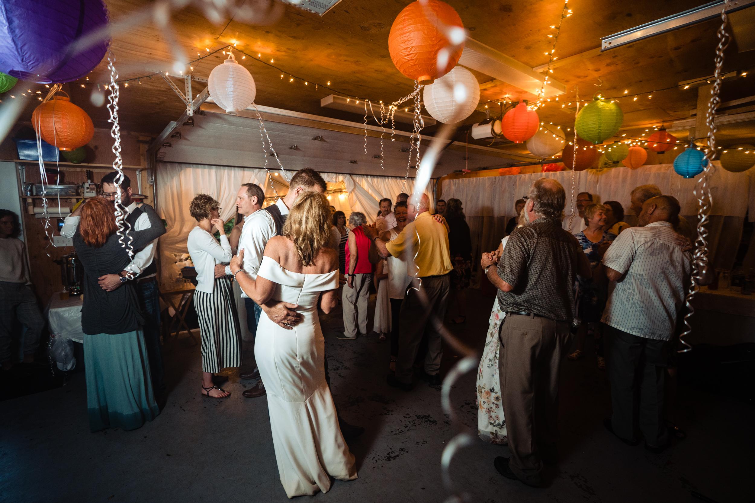 Halifax-wedding-photography-foxandfellow-nova-scotia-backyard-summer-canada-66.jpg