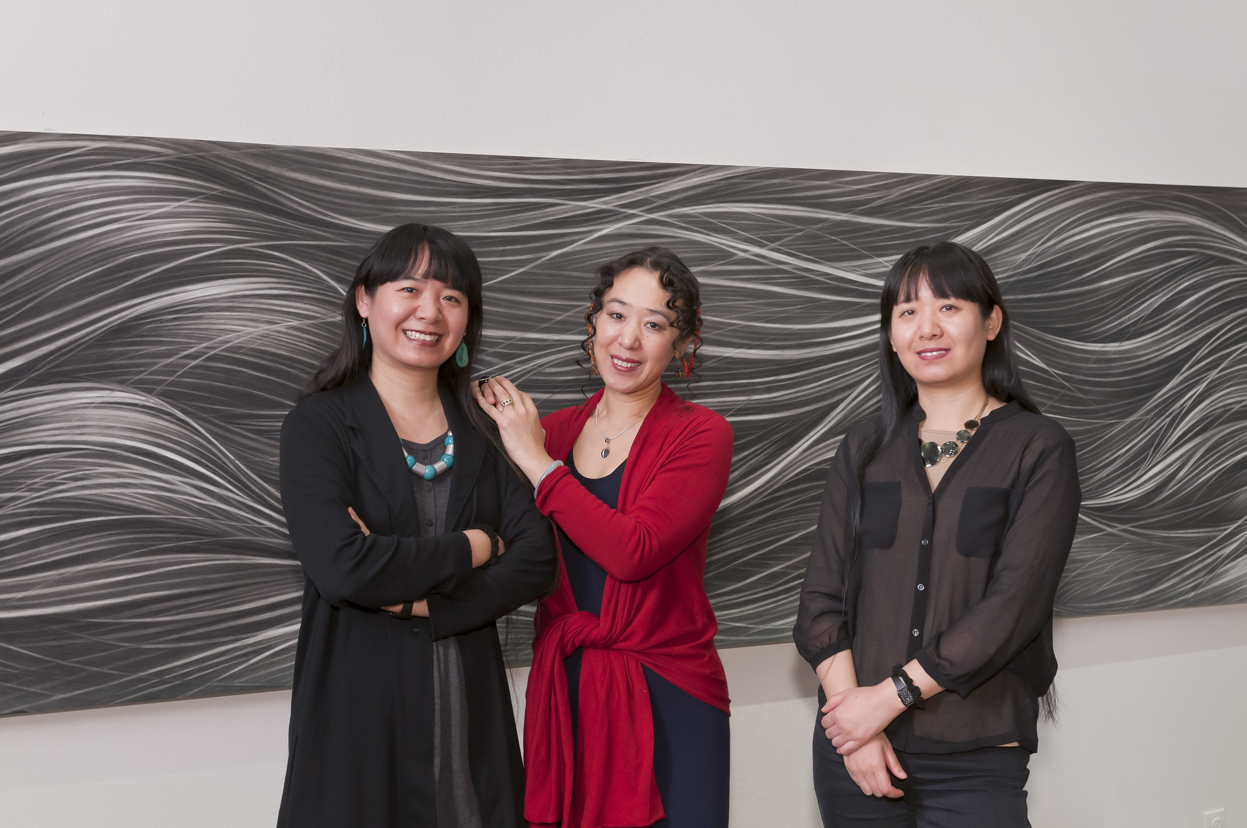 3 sisters from L to R, Hong, Ling and Bo.jpg