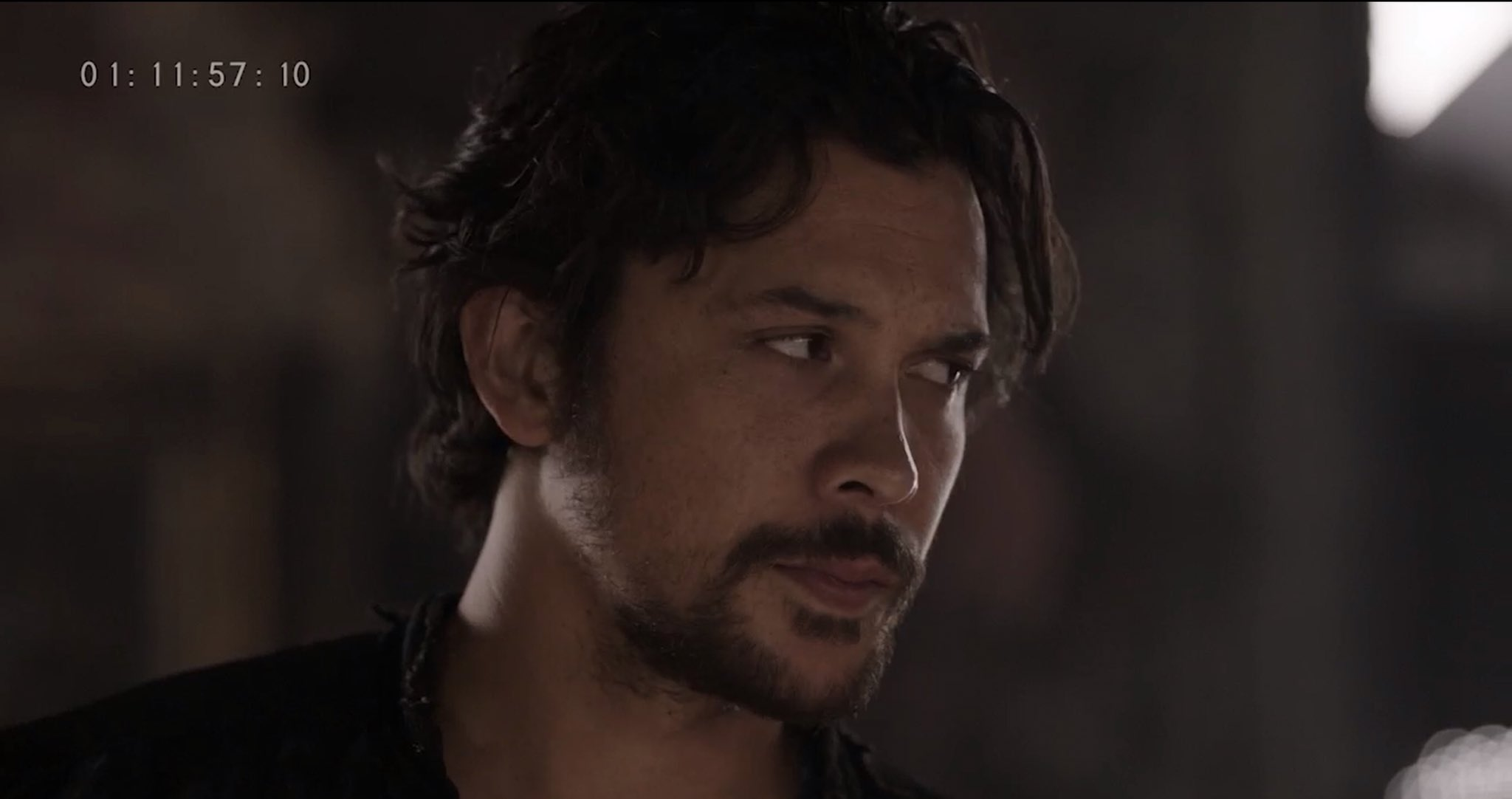 Bellamy Blake in Season 5 of  The 100  (via @JRothenbergTV)