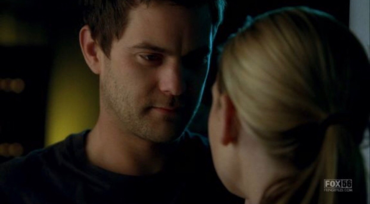 Peter Bishop (Joshua Jackson) and Olivia Dunham (Anna Torv)