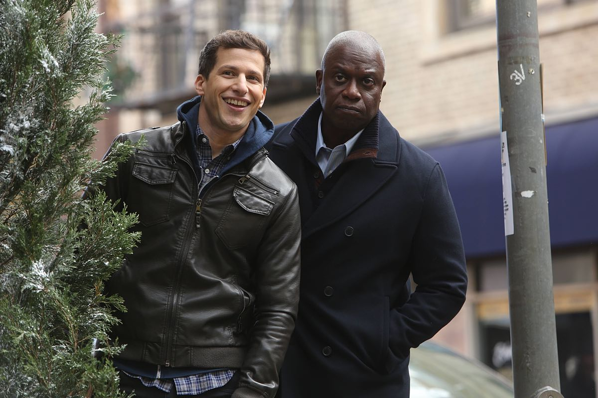 Jake and Holt work together to solve a case