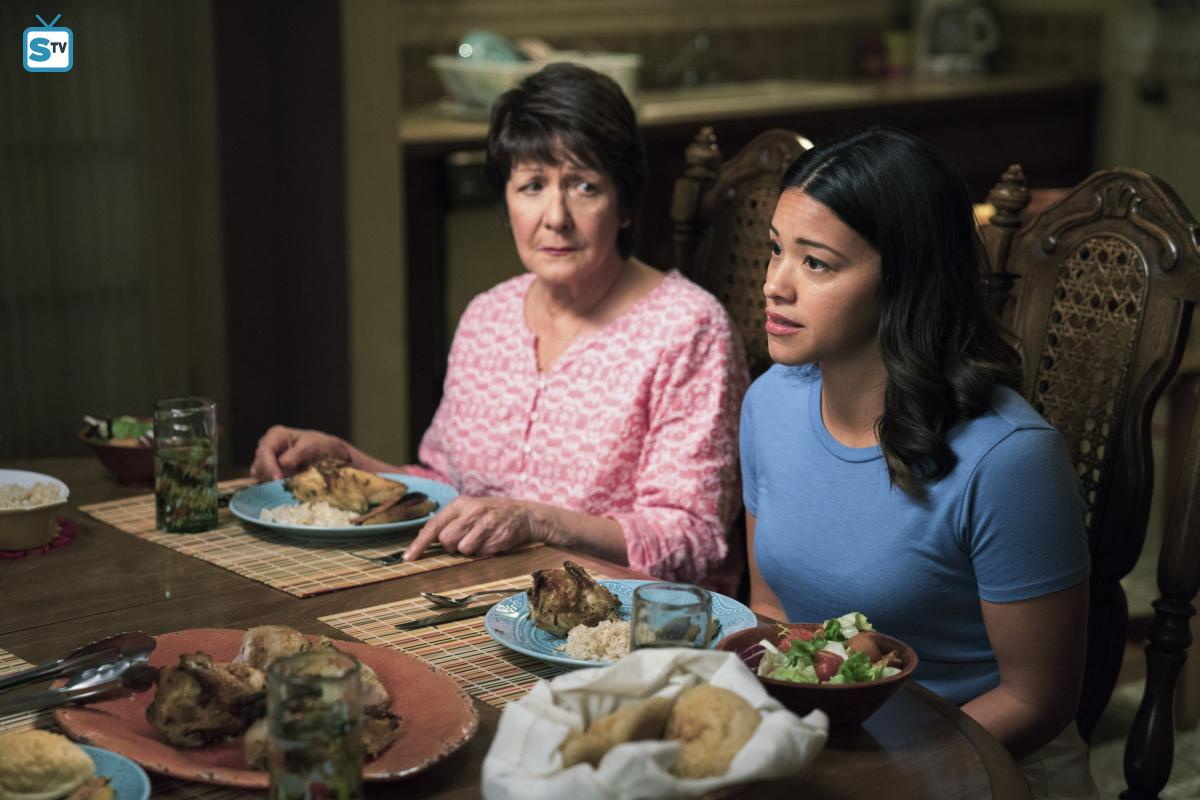 Jane tells her mother that she thinks she should get a double mastectomy over dinner