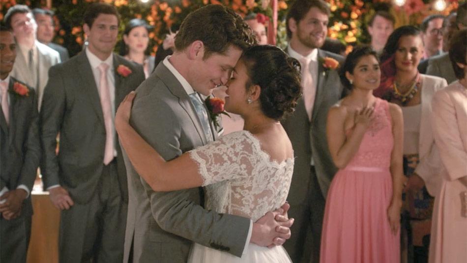 Jane (Gina Rodriguez) already chosen Michael (Brett Dier) over Rafael once before
