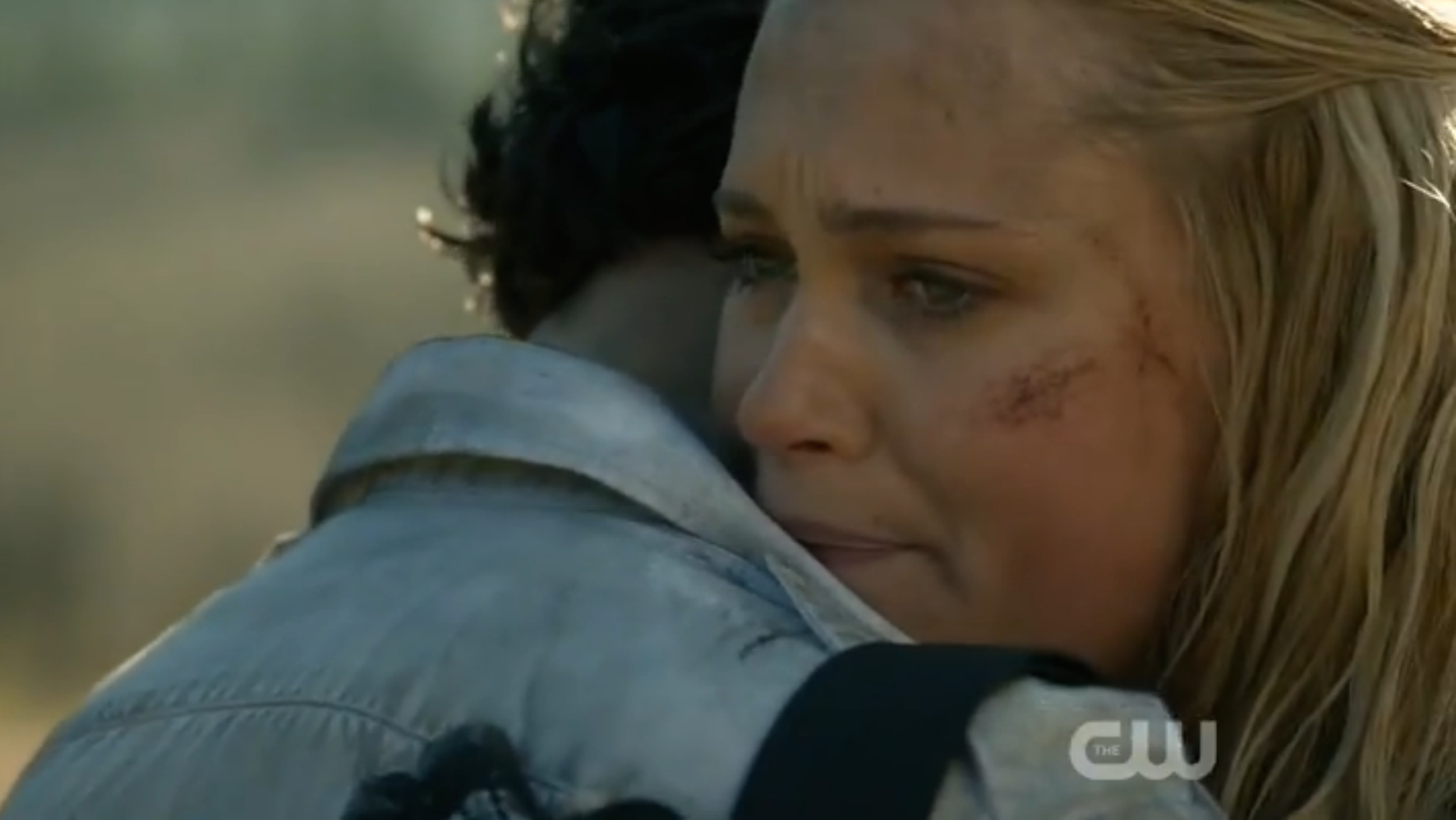 Clarke_saying_goodbye_to_Bellamy.png