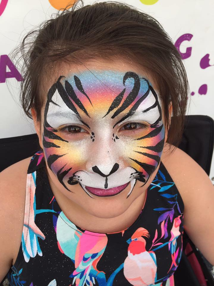Tiger Lifes a Party Facepainting.jpg