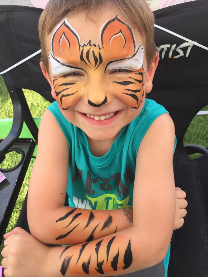 Tiger with Lifes a Party Facepainting.jpg