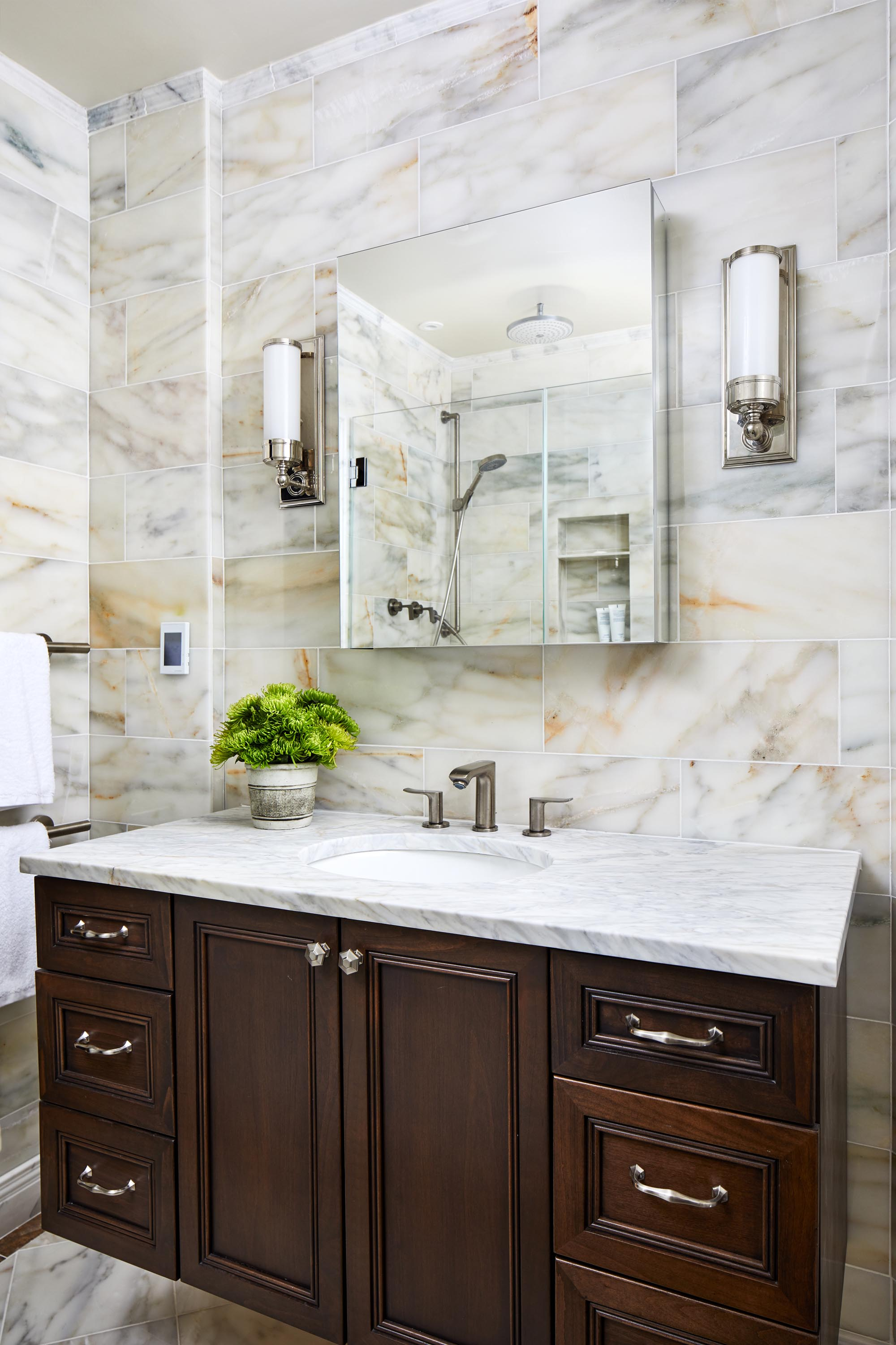 23-Modern-Contemporary-Marble-Bathroom-Top-Decorator-Best-Interior-Designers-Boston-South-End-Back-Bay-Seaport-Dane-Austin-Design.jpg