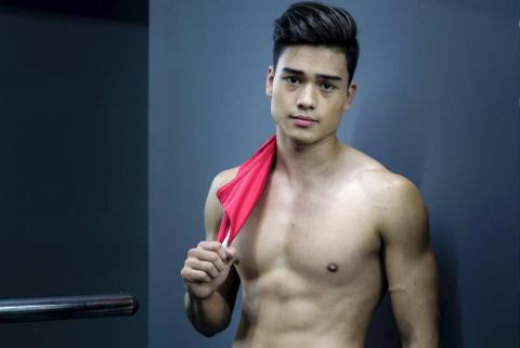 """Marco will also be seen in ABS-CBN's """"Los Bastardos"""""""