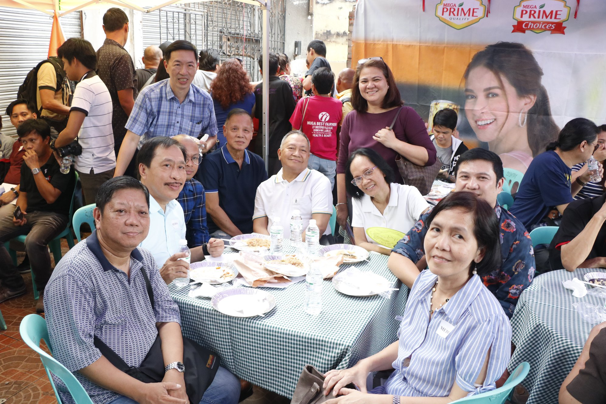 Flores with members of the press that came to celebrate World Pandesal Day with him (clockwise) Ricky Calderon, Eugene Asis, Nickie Wang Flores, Remy Umerez, Isah V. Red, Shirley Pizarro,  Nitz Miralles, Jojo Panaligan, and Maridol Ranoa