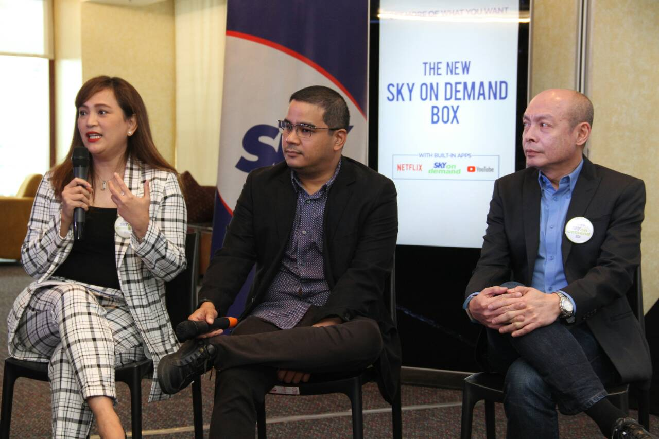 Officers of SKY explain the advantages of the SKY On Demand box